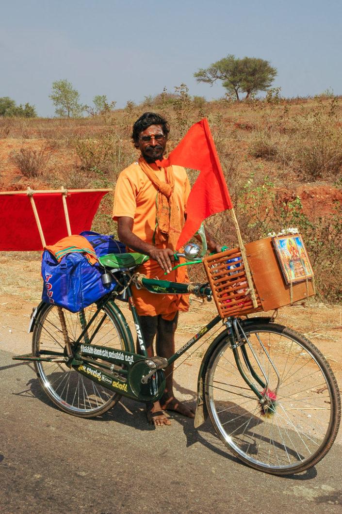A cycling Indian pelgrim