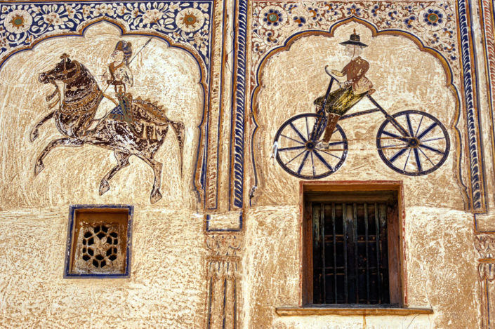 A bicycle is painted on a wall in Shekhawati, India.