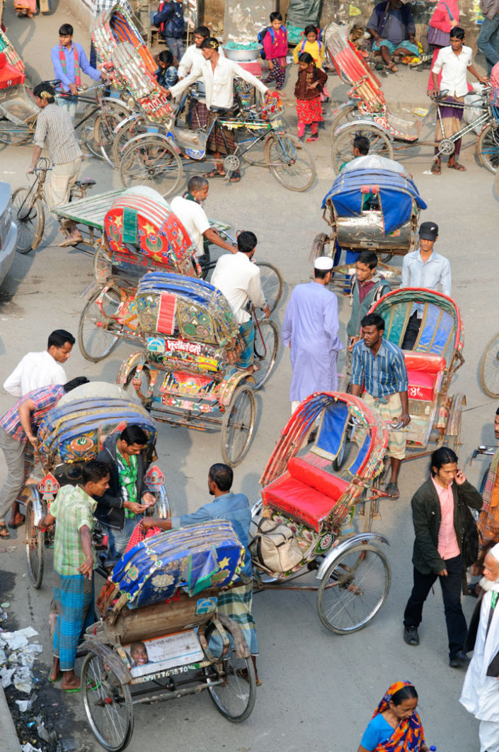 Rickshaw traffic chaos in Bangladesh