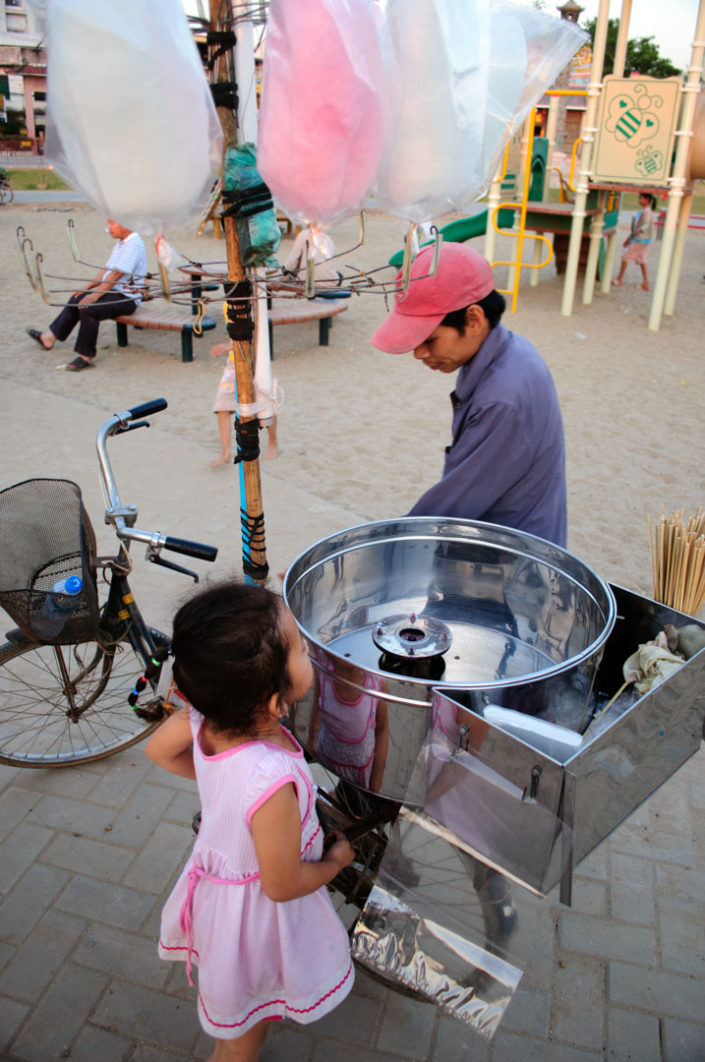 ca cycling Cotton candy salesman in Vientiane, Laos