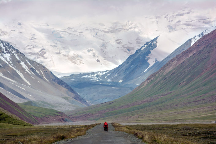 Cycling towards Tajikistan on the Pamir highway.